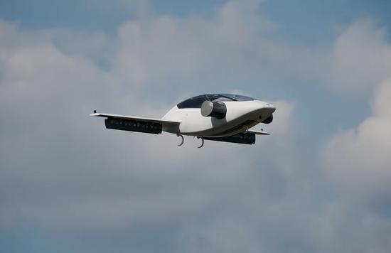 这架喷气式飞机,以及其他绝大部分正在研发创新的汽车都将使用可再生