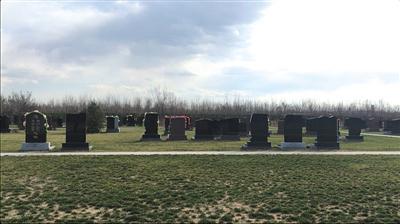 紧邻北京的涿州万佛园公墓部分坐北朝南的墓地,单价在6万到10万元左右。新京报记者游天燚摄