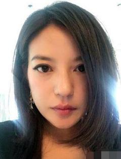赵薇42岁生日 他怒飙:所有骂她的人都是人渣