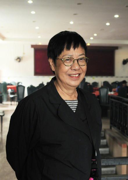 许鞍华凭借《明月几时有》获金像奖最佳导演