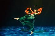 翩若惊鸿,婉若游龙!绝美舞蹈演绎水下飞天