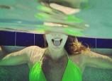 [MV]跟着英独立乐团最新热单《Swim》摇头晃脑