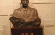 郑振铎铜像在国家图书馆揭幕