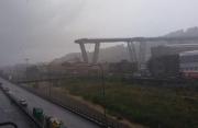 意大利热那亚一座高速公路桥垮塌 伤亡不明