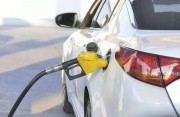 國內油價年內迎來第六漲 加一箱油貴6塊錢