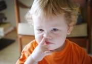 家有小孩流鼻血 家长你找到这几个诱因了吗