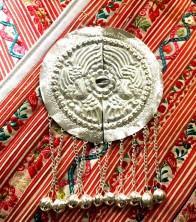 【罗源】畲族银饰有辟邪之意 铃铛类似凤凰叫声亲脆悦耳