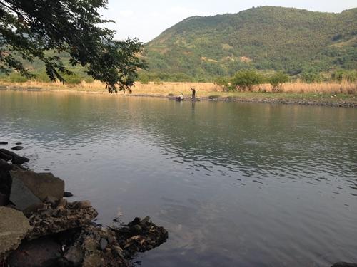 没有放水的霍童溪,溪水平缓如镜