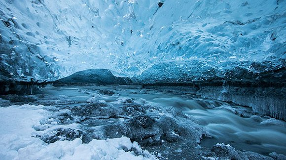 冰岛怎么会有这么好看的洞