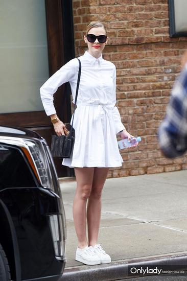 全身的All-White纯色搭配,轻松美出别人好几条街
