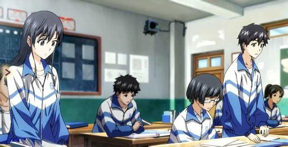 武汉这所高中的校服,让网友感叹生早了