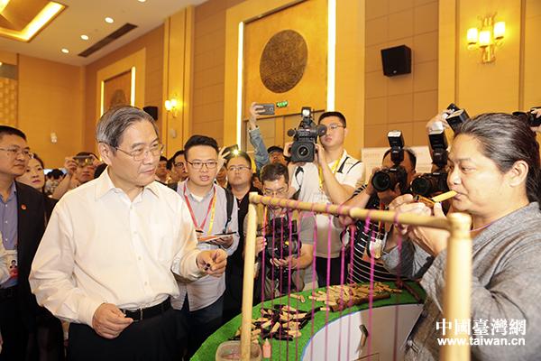 张志军在台湾青年来闽创业现场对接会