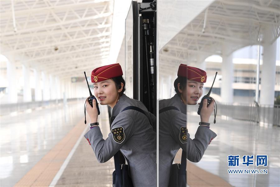 (新春走基层)(5)春运回家路我们陪你同行