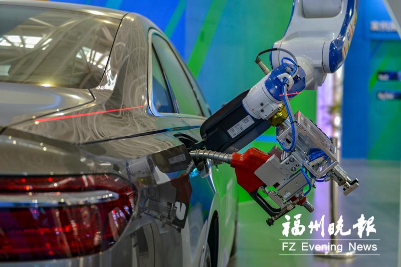 首届数字中国建设峰会云集前沿数字科技 未来感满满