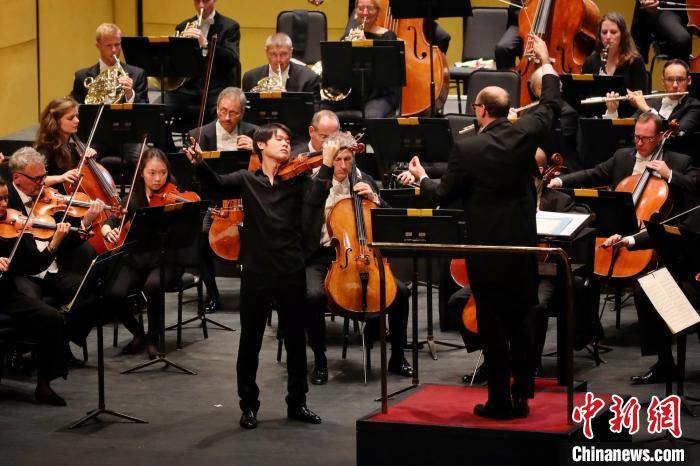 安德鲁·曼兹、黄蒙拉与北德广播爱乐乐团音乐会。 蔡晴 摄