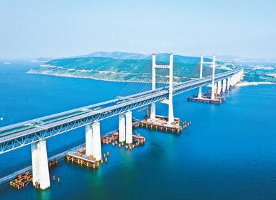 人民日报关注福州:福平铁路 铺轨贯通