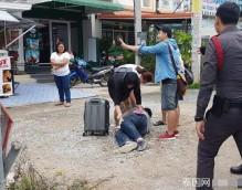 中国男孩到泰旅游 与妈妈闹脾气冲上马路让车撞