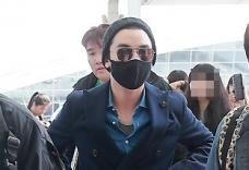 BIGBANG福州开见面会 黑超墨镜抵达福州机场