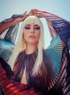 Lady Gaga造型似美人鱼