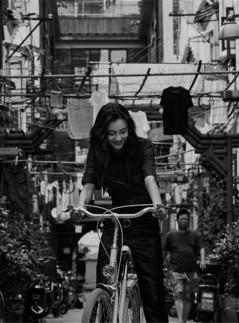Angelababy解锁上海弄堂女孩的回忆