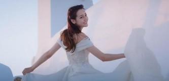 迪丽热巴希腊拍摄婚纱照 表白自己:感谢努力坚持