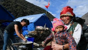 西藏金沙江堰塞湖安置点生活物资供应充足 群众安全有保障