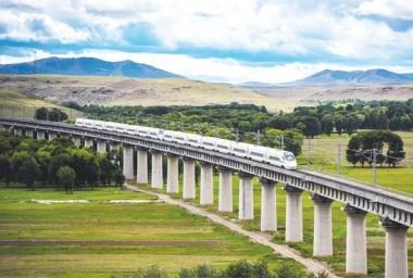 铁路运营总里程达到1.37万公里
