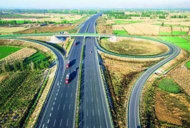 全区公路通车总里程突破19万公里