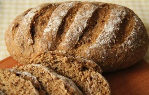 健康之选——杂粮葡萄干面包