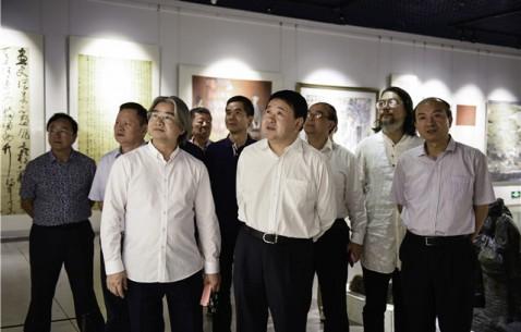 庆祝中华人民共和国成立70周年福建省美术书法精品展开幕