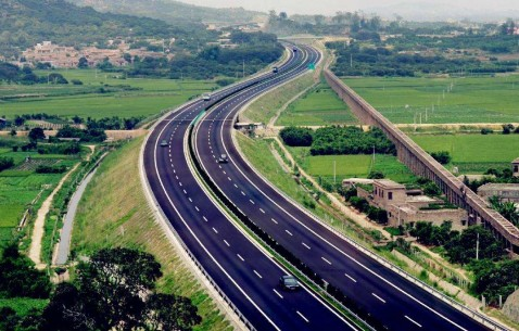国庆中秋假期第五天全国道路交通平稳有序