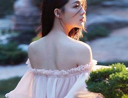 李沁清新写真带来夏日清凉