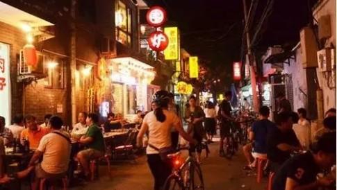 路边摊是一种情怀!台湾人在大陆,在路边摊看见不一样的北京