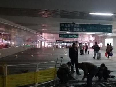 福州站南北广场冷热不均 与南广场相比,福州火车站北广场更为现代,整图片