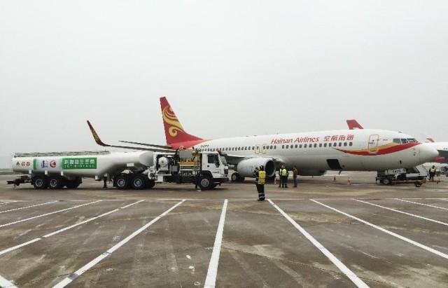 当日,一架由波音737机型执飞的海南航空飞机从上海虹桥飞抵北京,本次