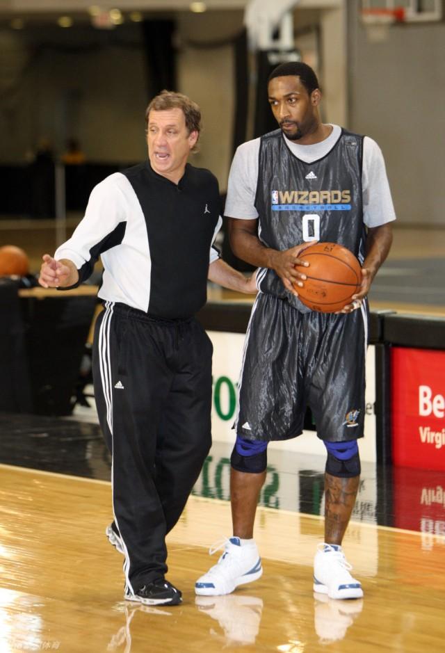 明尼苏达森林狼队主教练兼篮球事务总裁菲利普-桑德斯因病医治无效,已图片