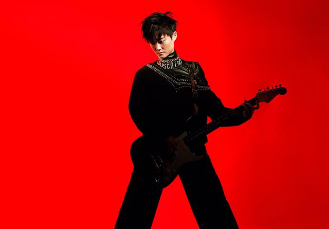 李宇春发布新年写真 跨年晚会首唱新歌