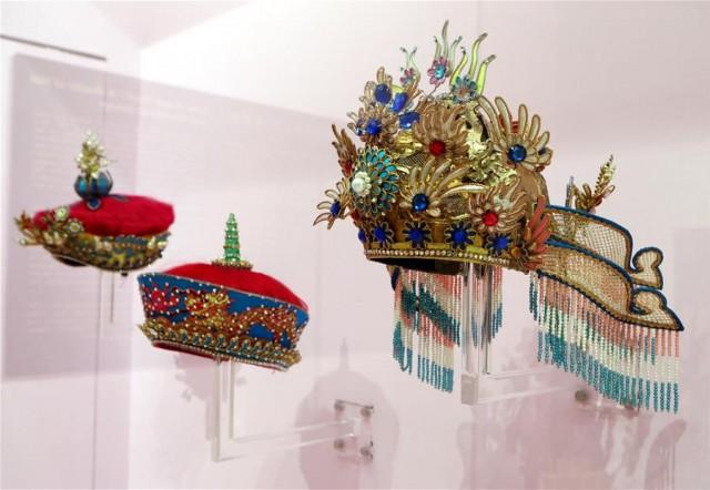 制作的120件作品,让观众了解中国传统手工技艺的精湛以及粤剧的帽饰之