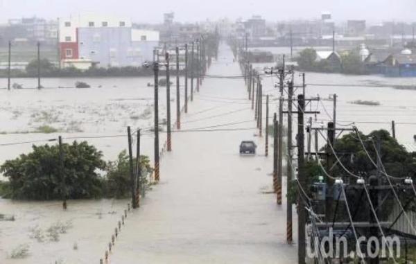 台湾南部多地水患成灾 中南部仍须严防豪大...