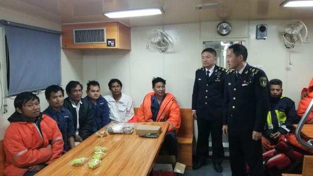 漳州市海上搜救中心成功救助10名缅甸籍船员