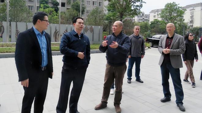 集团党组书记、董事长曾祥辉到省广播电视传输发射中心检查指导工作