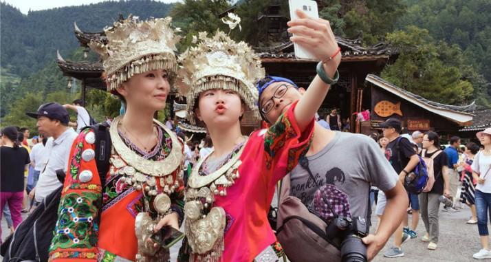 """镜头下的各异风景——""""台湾青年民族风情探秘""""活动走进贵州"""