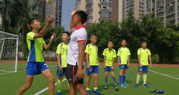 臺灣橄欖球運動員來榕推廣橄欖球運動