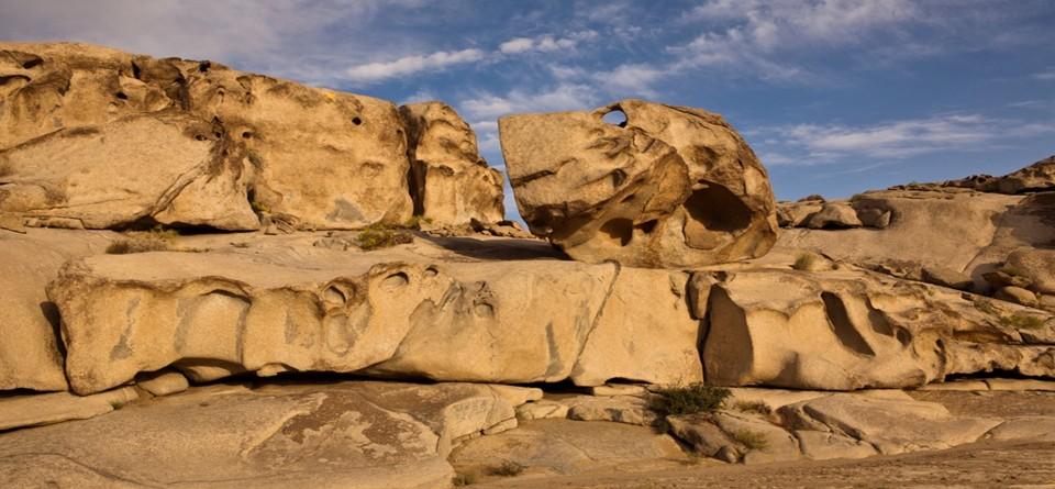 全国葡萄玛瑙石与戈壁奇石最大自然产区