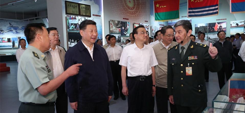 习近平等参观庆祝中国人民解放军建军90周年主题展览