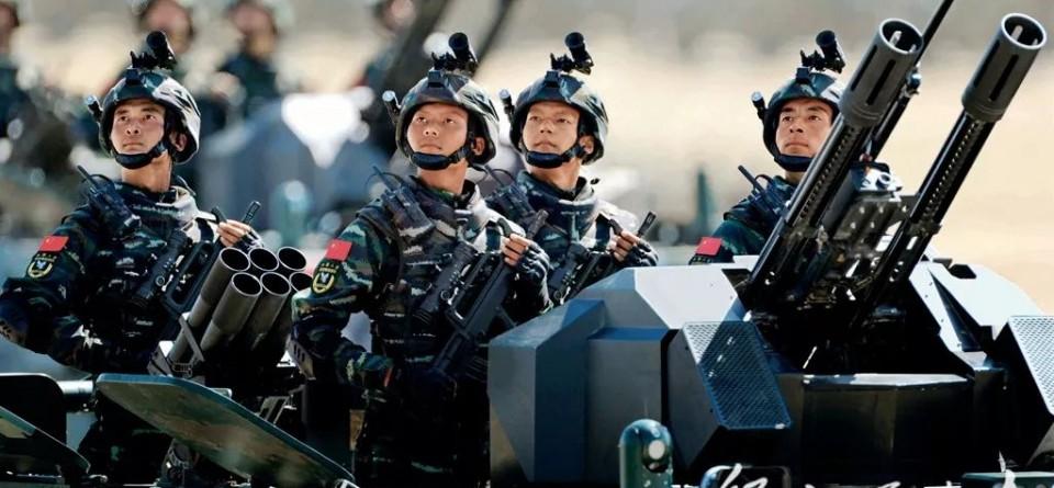 自豪!40年来历次大阅兵经典画面展现国威军威